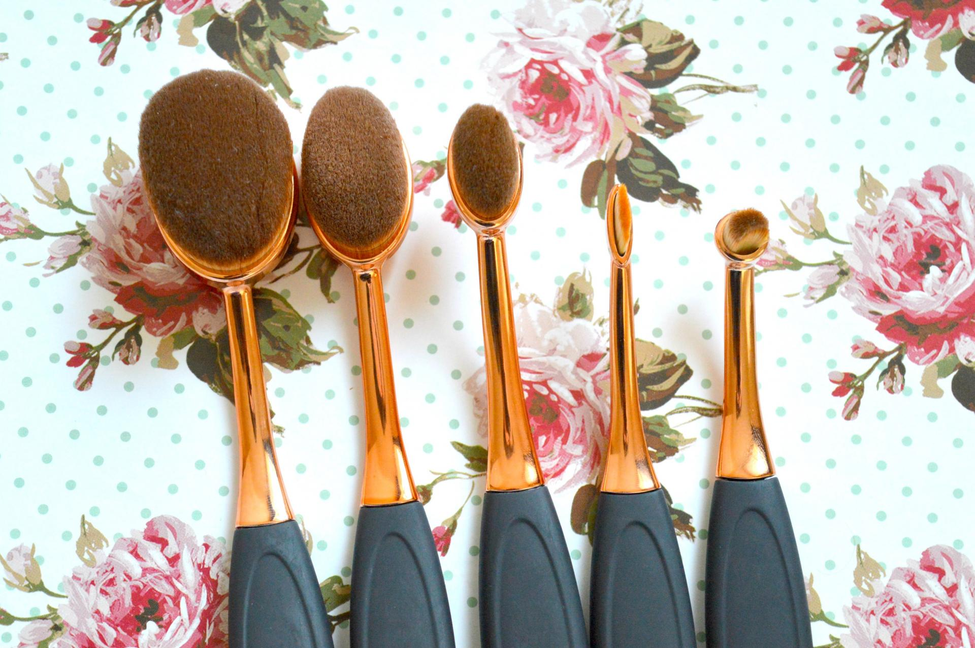 Affordable Rose Gold Oval Makeup Brushes