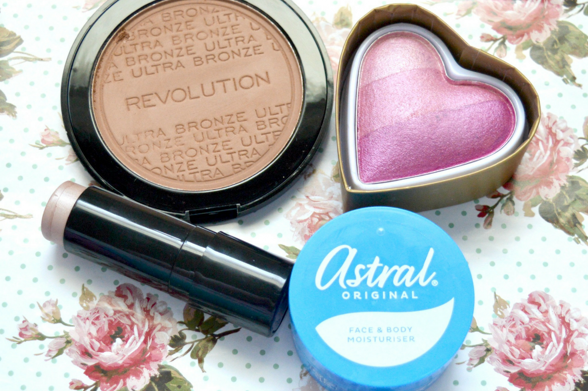 February 2017 Favourites | Makeup Revolution Ultra Bronze, Technic Baked Hearts Blusher, Soap and Glory Glow All Out Highlight and Sculpt Cheek Stick in Ice Shimmer and Astral Original Face and Body Moisturiser