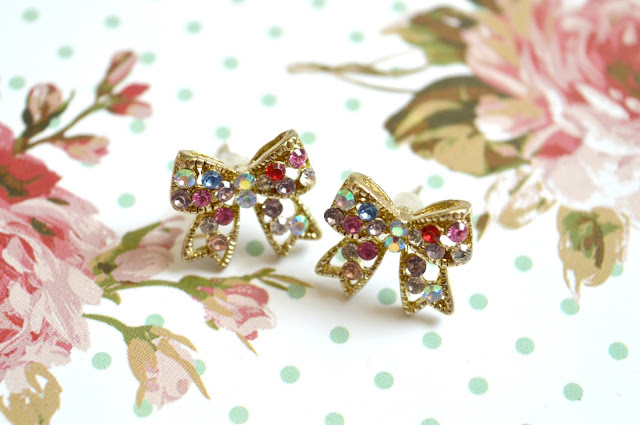 Dreams and Sparkles Rhinestone Diamante Gem Bow Stud Earrings