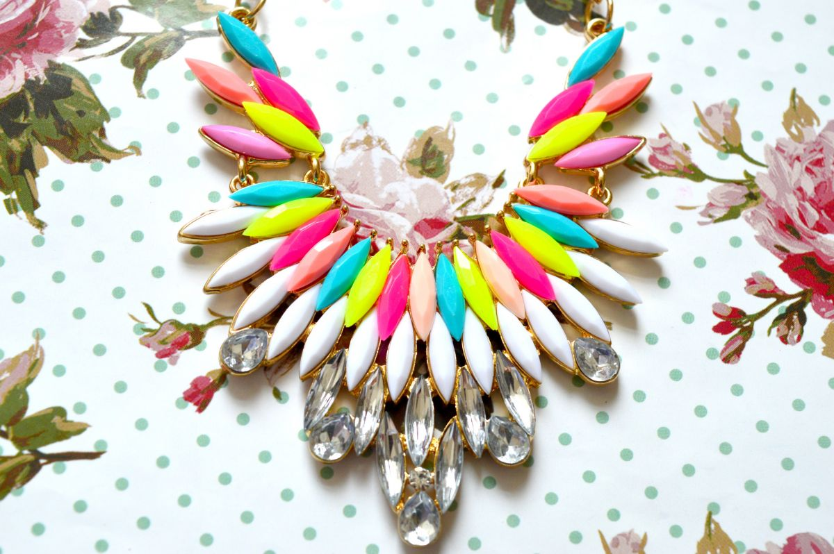 3 Super Pretty and Affordable Statement Necklaces