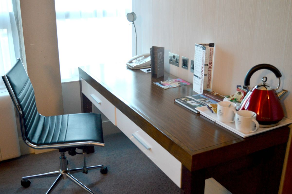Sandman Signature Hotel Newcastle Desk Area