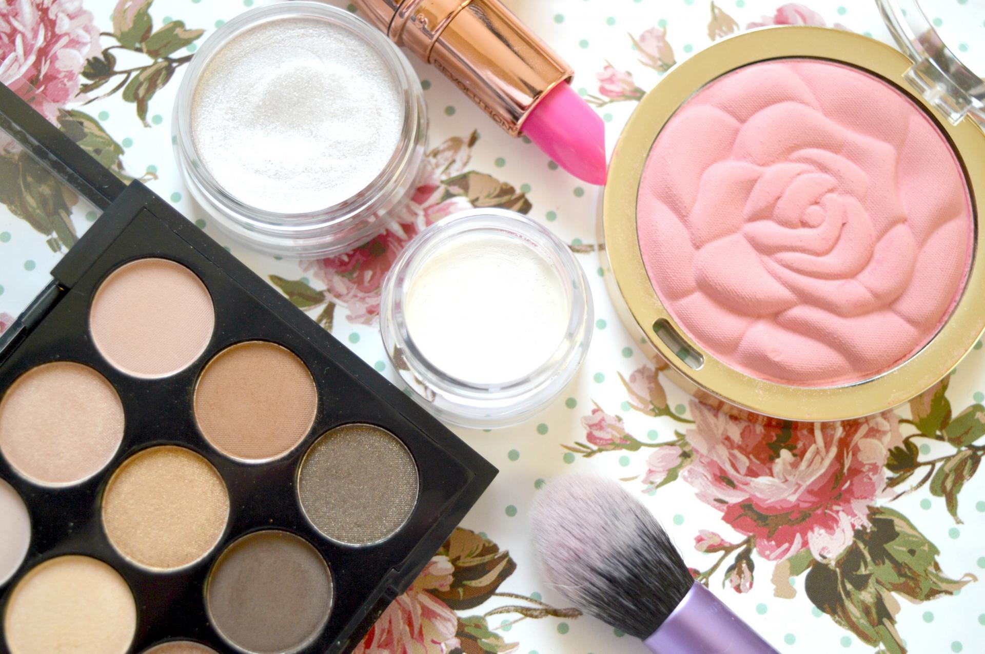 Is There A Right Or Wrong Way To Apply Your Makeup?