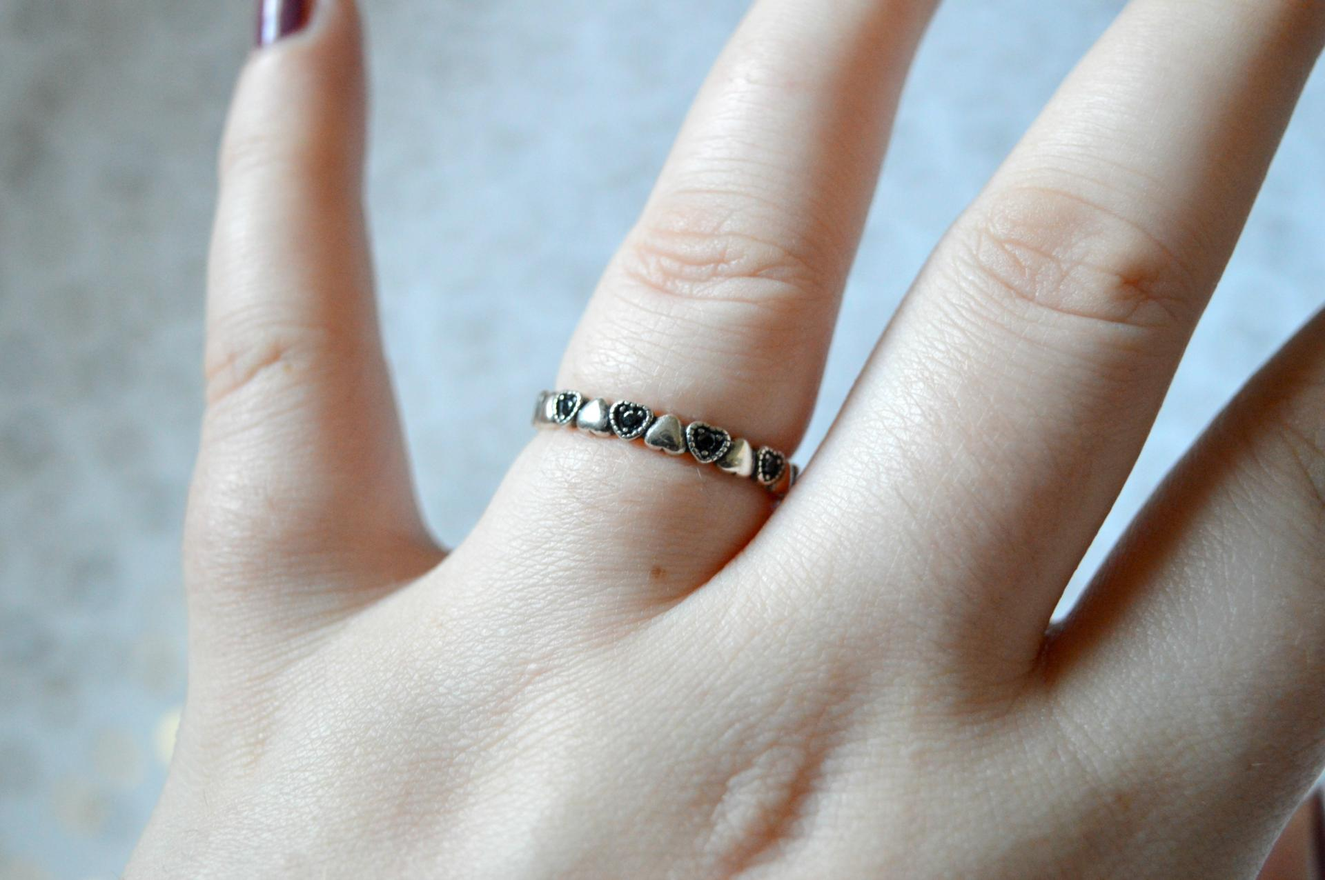 bamoer  Black Heart Band Ring from AliExpress