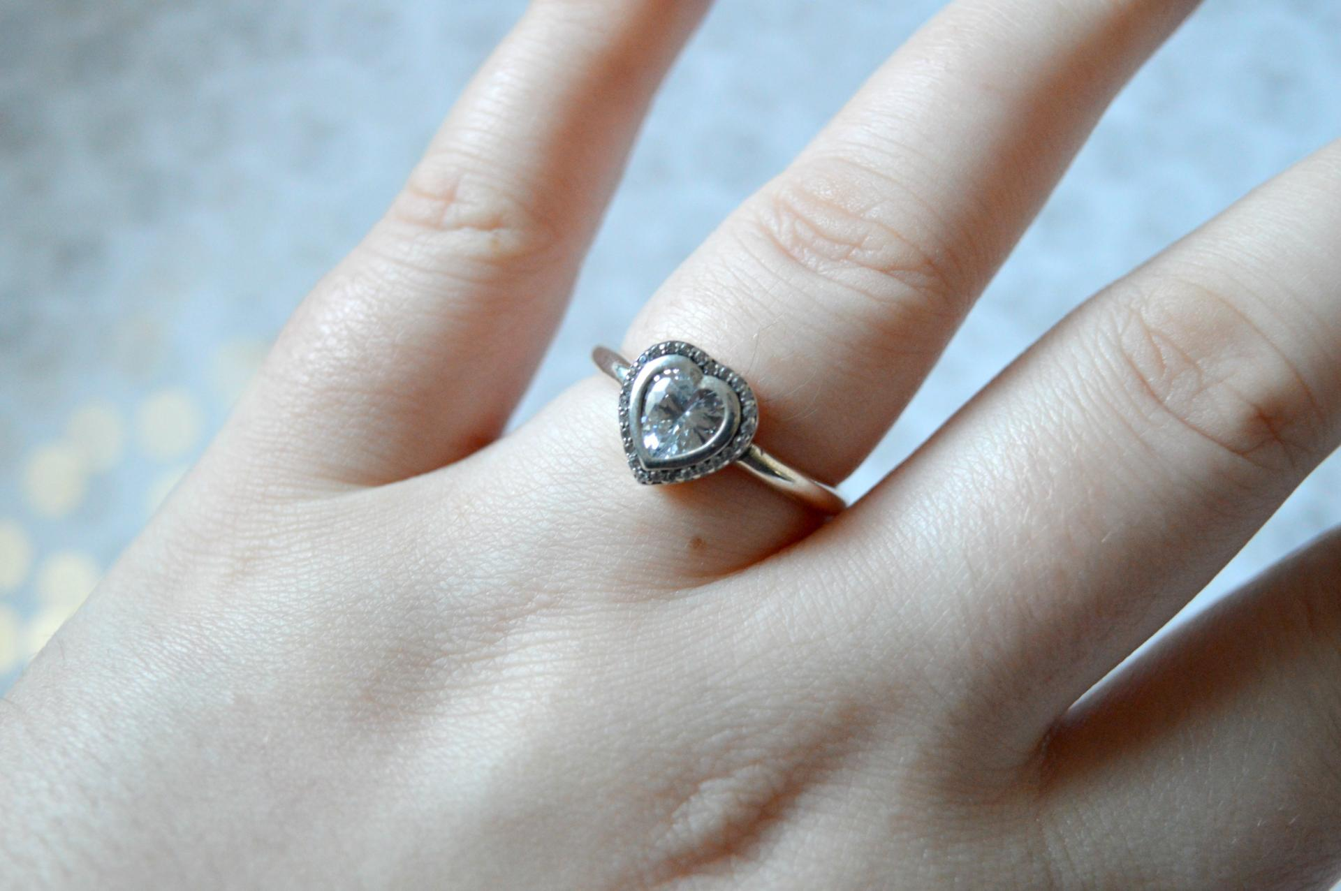 bamoer  Sparkling Love Heart Ring from AliExpress